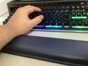 メカニカルキーボードとキーボードレスト